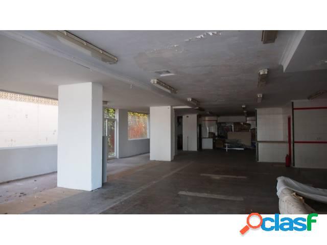 Se vende Local Comercial de 500 m2 en 1ª línea de San