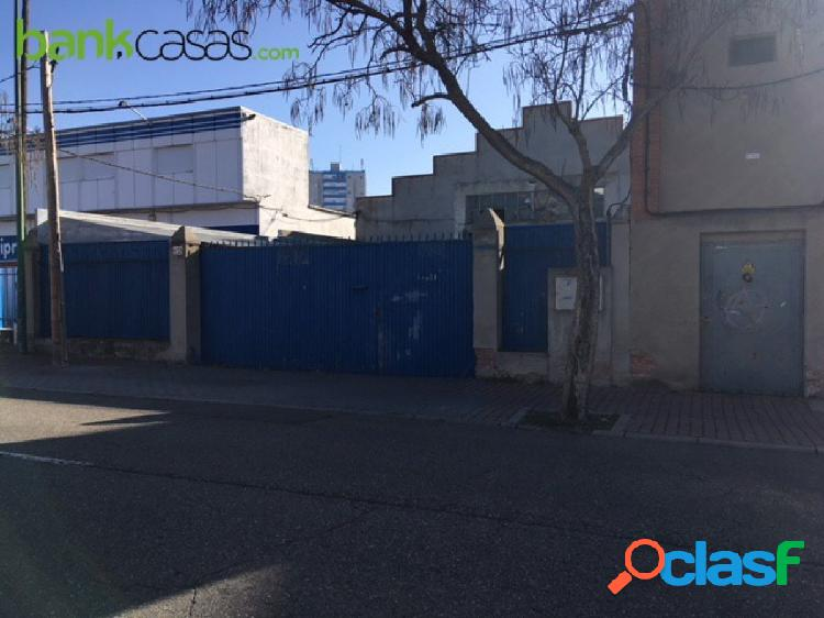 Se vende Nave Industrial Polígono de Argales. 794m2 -