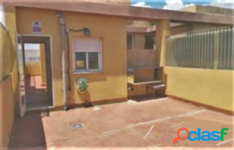 Se vende amplio piso en Museros con enorme terraza