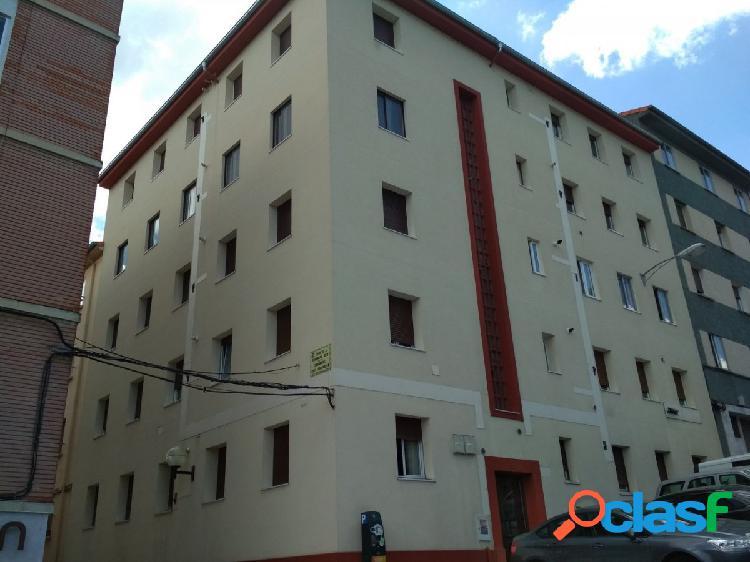 Se vende amplio y luminoso piso en Vistabella, hospitales.