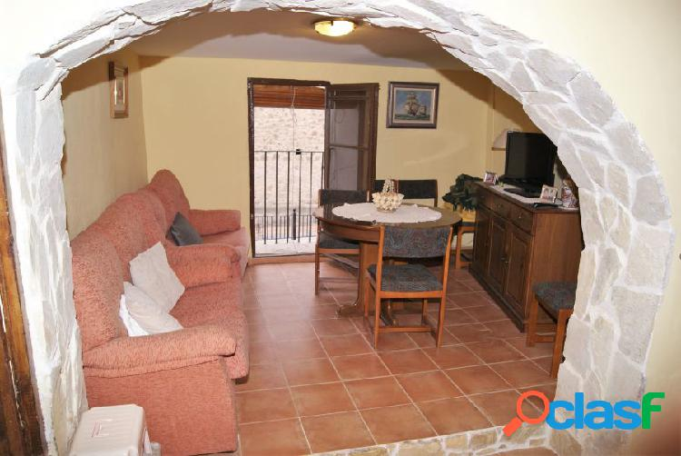 Se vende casa de pueblo en Matet.