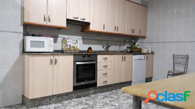 Se vende casa de pueblo en perfecto estado en Puçol