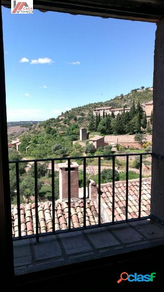 Se vende casa nueva sin terminar en el pueblo de Alquezar.