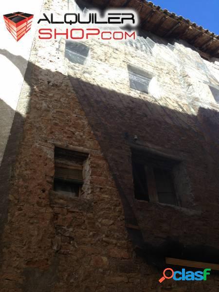 Se vende casa para reformar en Estadilla, Huesca.