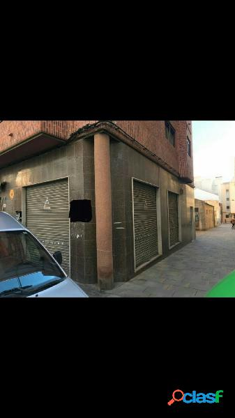 Se vende local comercial céntrico