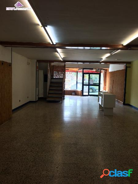 Se vende local comercial en Monzon
