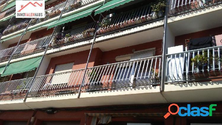Se vende piso de 100 m2 en Benimamet(Valencia)