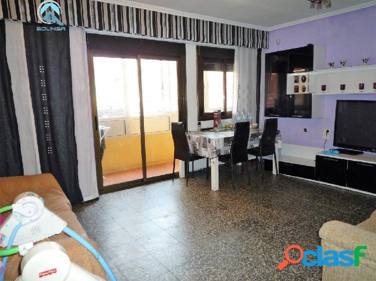 Se vende piso de dos dormitorios en calle Estepona (Las