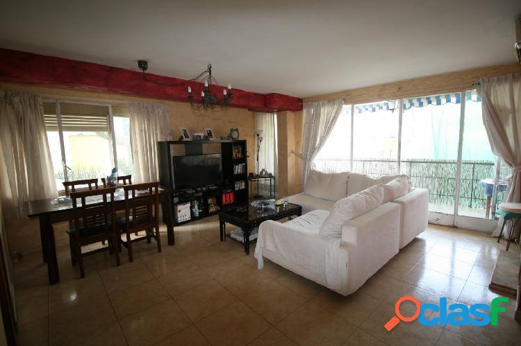 Se vende piso en Arenal con ascensor y terraza