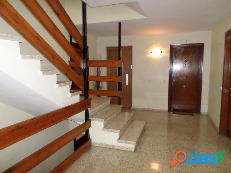 Se vende piso en Avenida de de Novelda,100 m2, 3