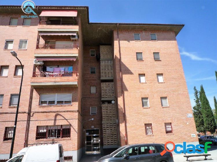 Se vende piso en La Cartuja de 4 Dormitorios. Garaje y