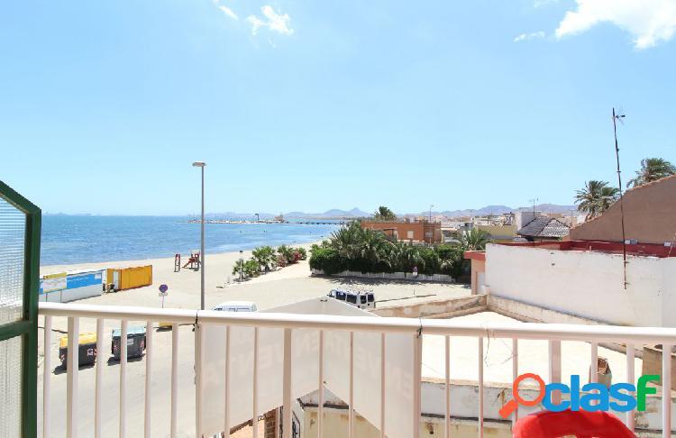 Se vende piso en Los Urrutias con vistas al mar