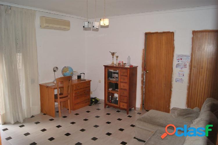 Se vende piso en Puçol centrico con todo tipo de servicios