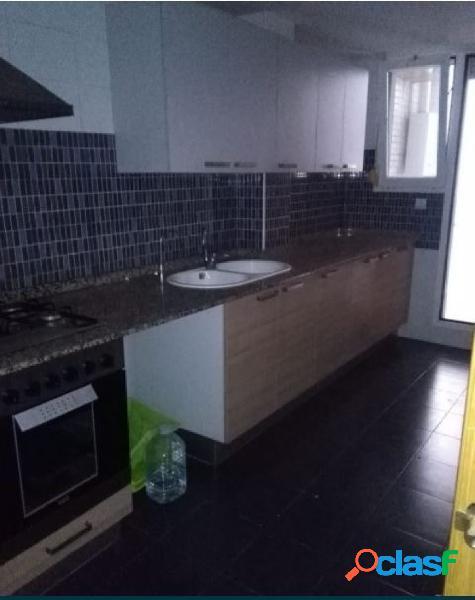 Se vende piso nuevo de 4 habitaciones en Emperador, Museros