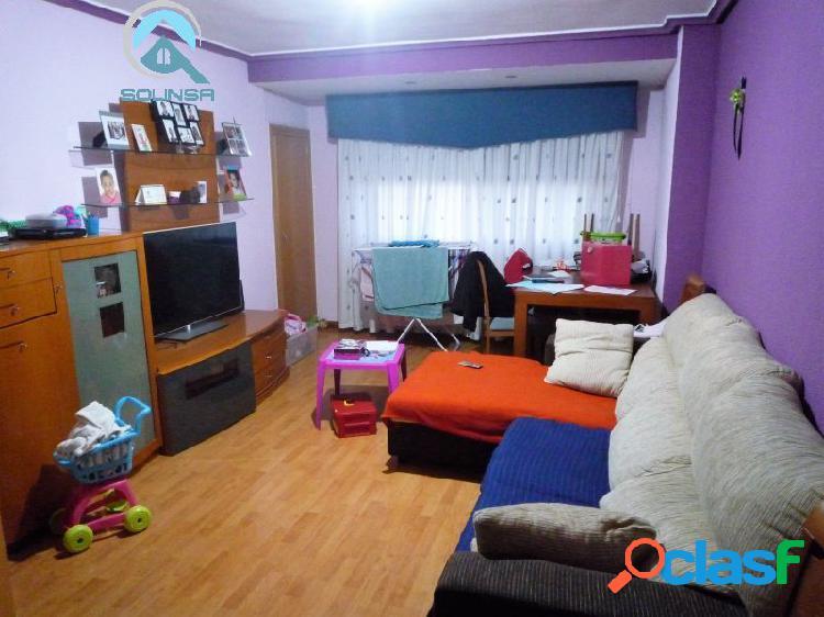 Se vende piso reformado de 3 habitaciones en San Juan de