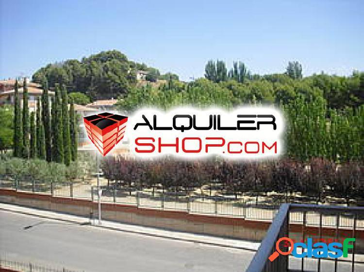 Se vende piso zona La Paz en Barbastro.