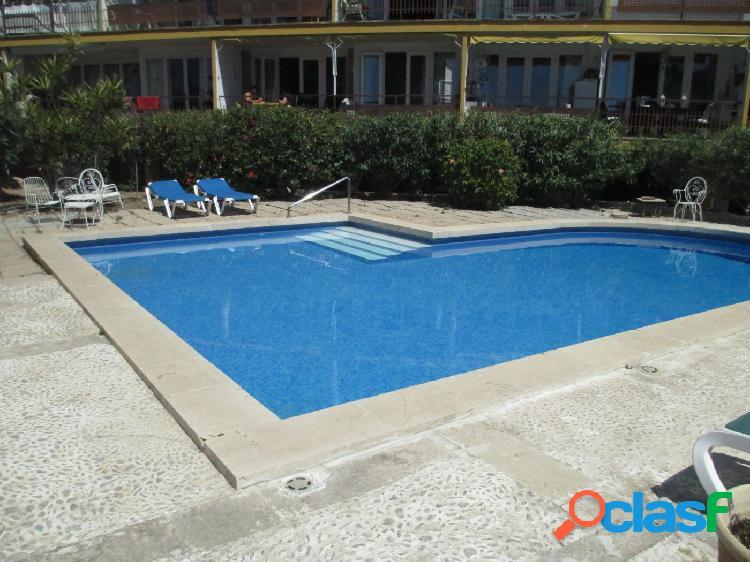 Se vende precioso estudio con piscina comunitaria en Cala