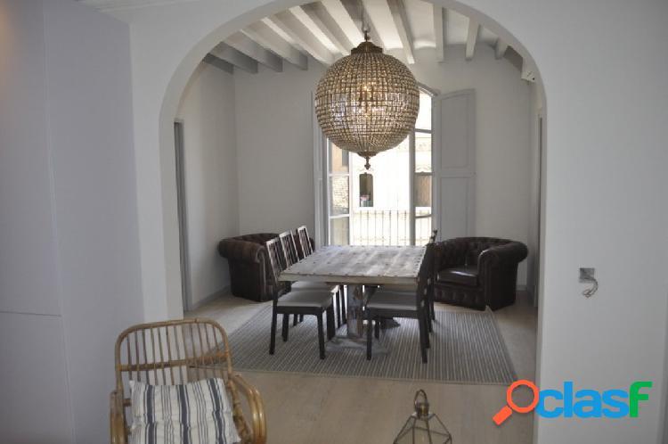 Se vende precioso piso reformado en Cort