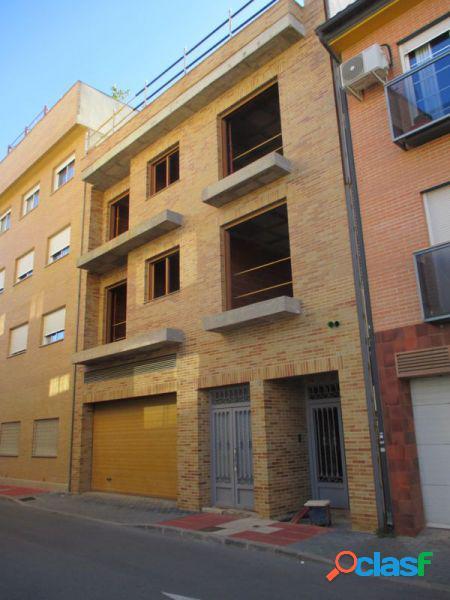 Solar con Edificio en construcción en Los Dolores de