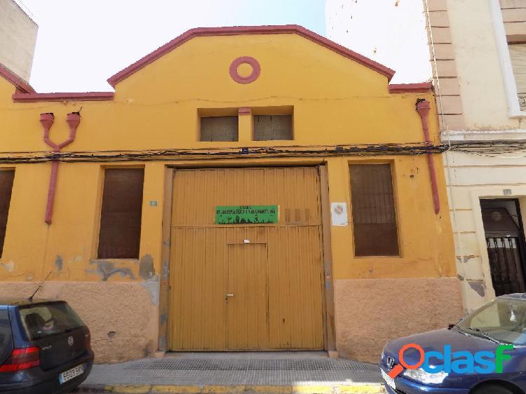 Solar edificable en zona Ronda Magdalena con 8,5 m de