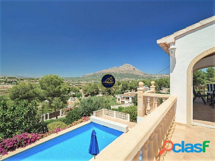 Soleada Villa de estilo Mediterráneo con Impresionantes