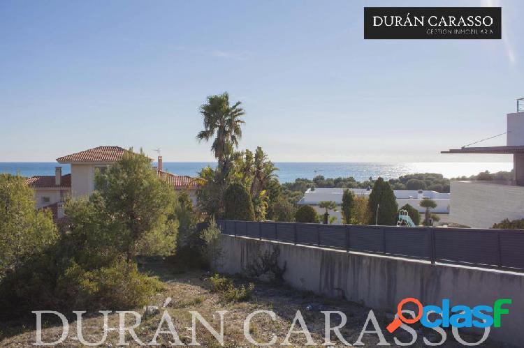 Terreno en Can Girona con vistas al mar