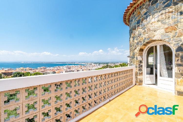 URGE VENDER!! Villa de estilo Mediterráneo con magníficas