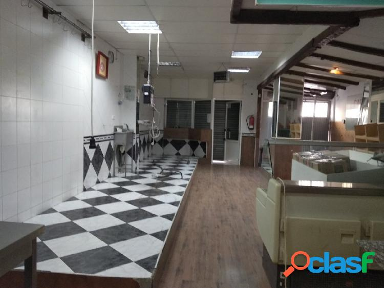 VENTA DE LOCAL COMERCIAL EN HUETOR TAJAR ZONA DE CORREOS
