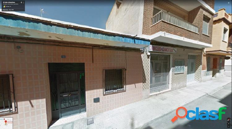 Venta de dos casas como solar Calle Santa Rosa números