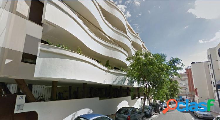 Venta de piso de 3 dormitorios en el centro de Estepona