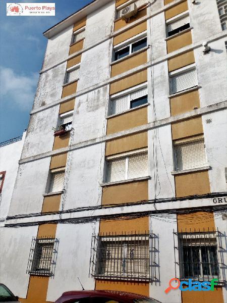 Venta de piso de tres dormitorios en Barrio Alto