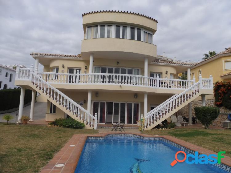 Villa 6 dormitorios con vistas al mar en La Cala de Mijas