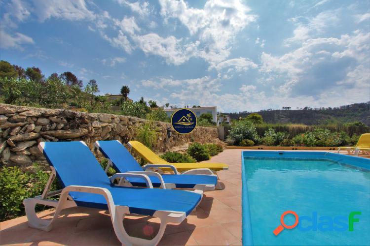 Villa Ibicenca de 3 dorm, 2 baños, PISCINA y VISTAS al Mar