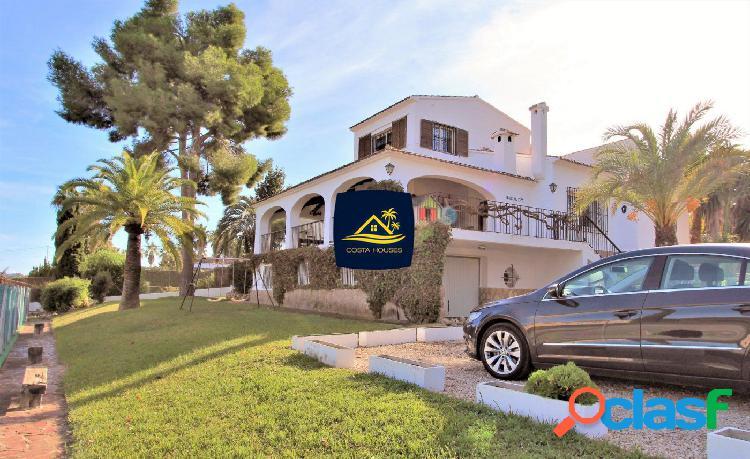 Villa Mediterranea en JAVEA con Vistas al Mar y Pista de