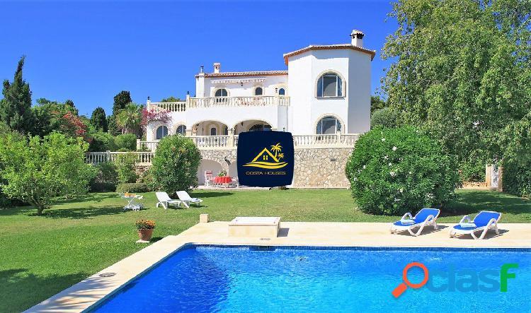 Villa Mediterránea en JAVEA · Tosalet ? con 5 dormitorios,