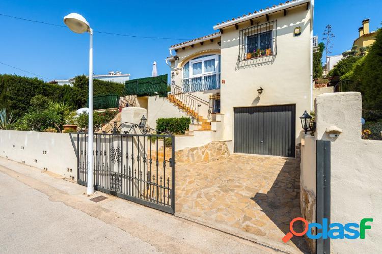 Villa con 3 habitaciones en venta en Senija