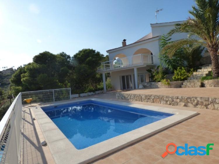Villa con bonitas vistas al mar, SIN AMUEBLAR para larga