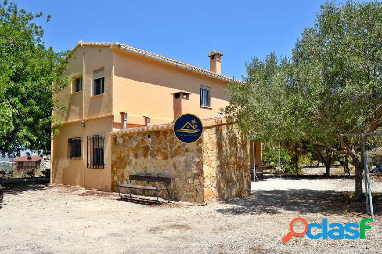 Villa de 6 dormitorios en Parcela Llana y SOLEADA al Sur,