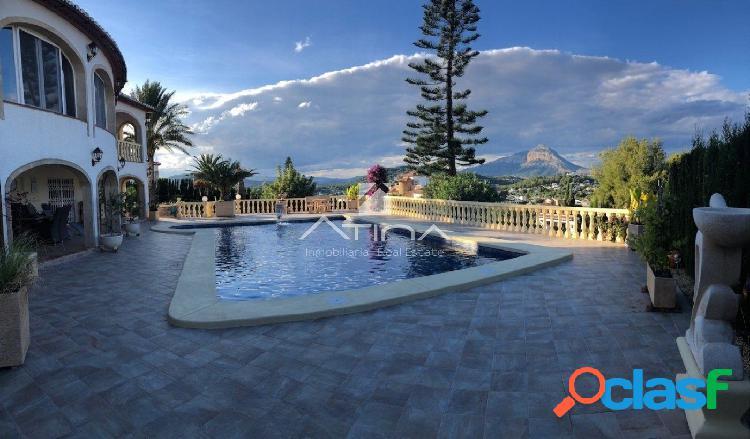 Villa de lujo en la zona alta de Pinosol, con excelentes