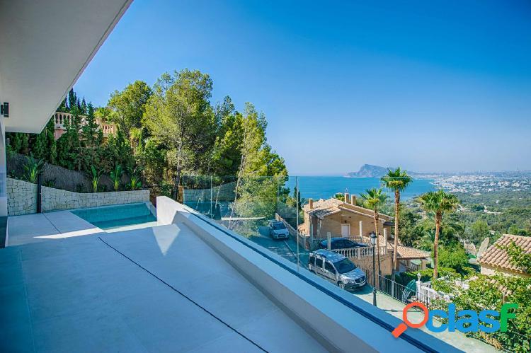 Villa de nueva construcción con vistas al mar en Altea