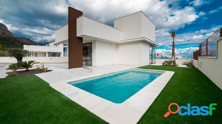 Villa de nueva construcción en una sola planta en Polop.