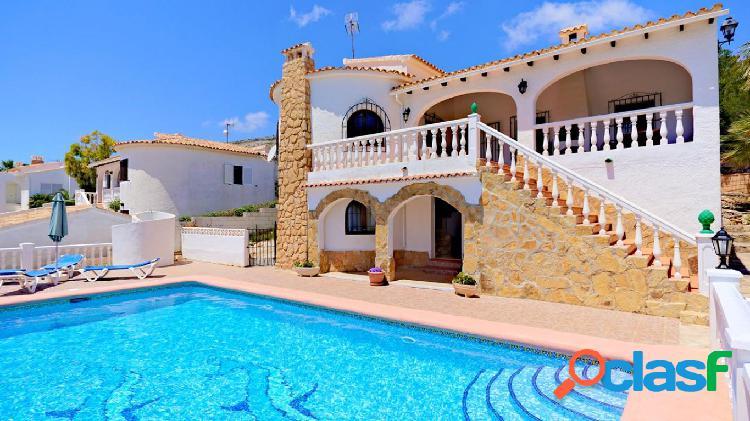 Villa en Cumbre del Sol con vistas al Mar