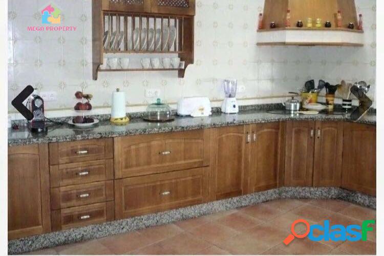 Villa en alquiler y venta en Pueblo Nuevo de Guadiaro