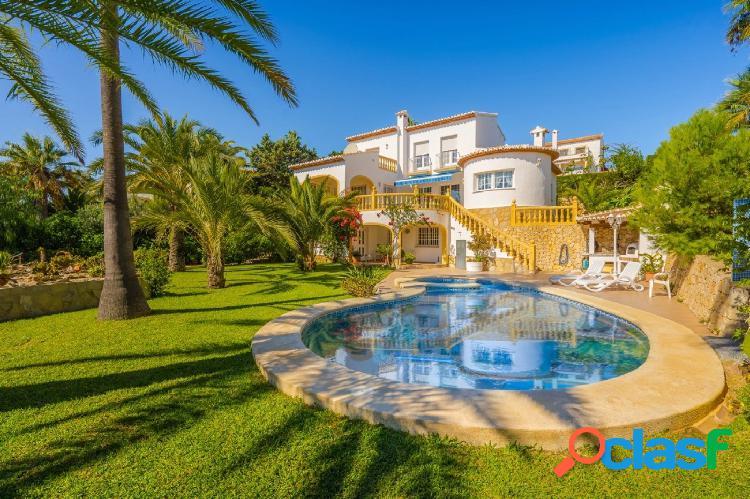 Villa en venta en Javea con Vistas al Mar
