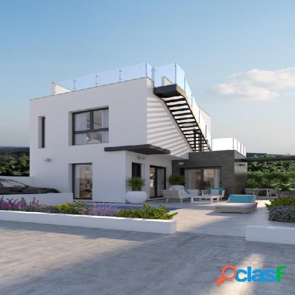 Villa independiente con piscina privada en Orihuela Costa,
