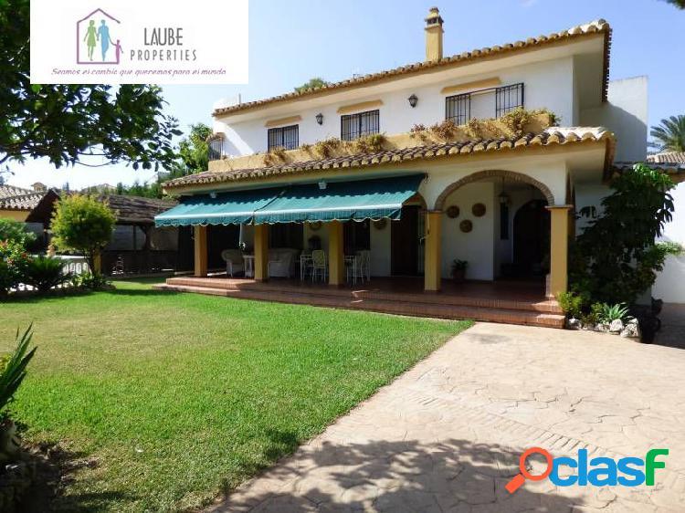 Villa independiente en el coto 350m2, parcela 1000m2, con