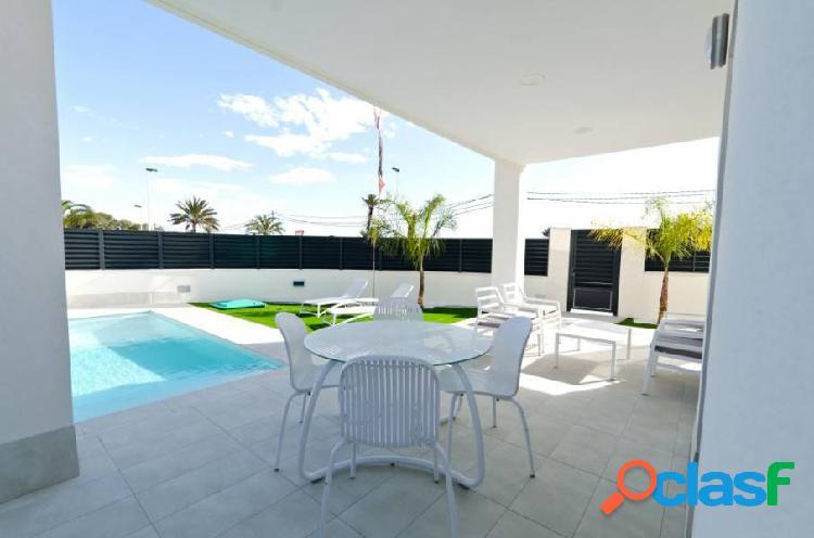 Villa moderna a 350 m de la playa