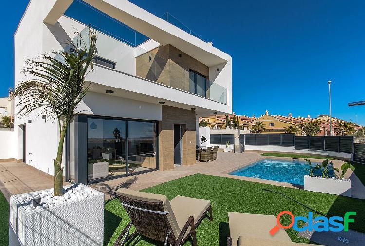 Villas con estilo moderno en san miguel de salinas