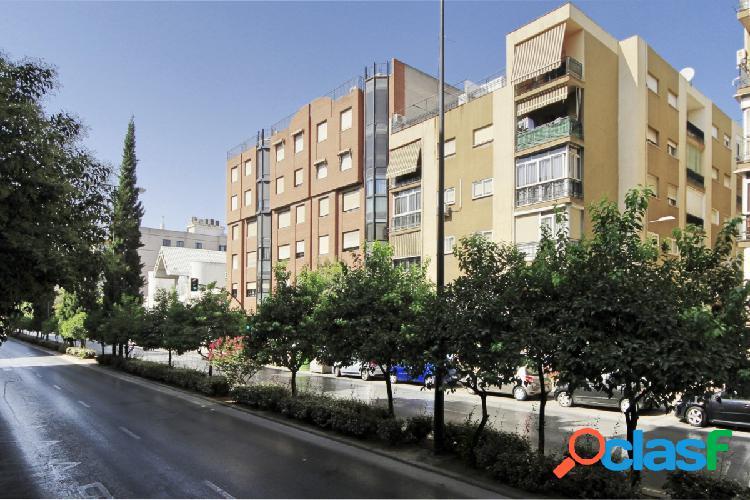 Vive entre Camino de Ronda y Villarejo junto parada de metro