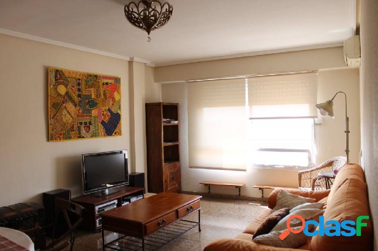 Vivienda de 4 habitaciones en venta en Paterna, zona